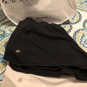 Bundle of 2 Lululemon hotty hot 2.5'' shorts